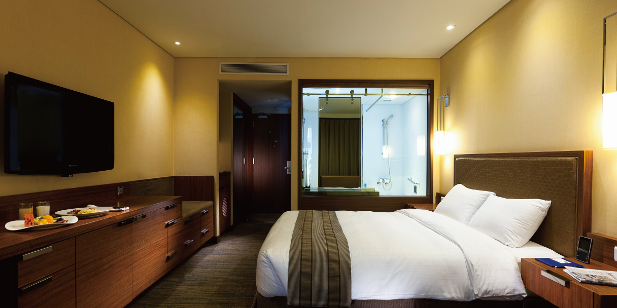 Premier Executive Room thumbnail